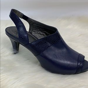 "Life Stride soft systems flex 3"" blue peep toes"
